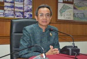 ผศ.ดร. อดิศร เนาวนนท์ อธิการบดีมหาวิทยาลัยราชภัฎนครราชสีมา