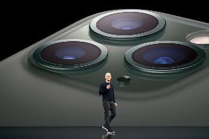 ตามกำหนดการ Apple จะเปิดรับคำสั่งซื้อล่วงหน้าสำหรับ iPhone 11 รุ่นใหม่ทั้ง 3 เวอร์ชัน ในเวลา 8.00 น. ซึ่งตรงกับ 19.00 น. ในประเทศไทย