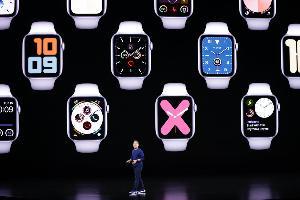 Apple Watch Series 5 พร้อมจอภาพ Retina แบบติดตลอดเวลา