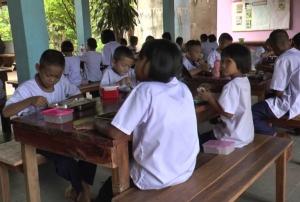 สพป.บุรีรัมย์เต้น! รุดสอบปมครูแฉครูฉกงบอาหารกลางวันเด็กส่งงวดรถ สั่งตรวจบัญชีย้อนหลัง