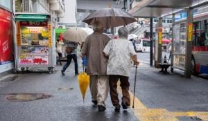 """""""ล้มละลายยามชรา เมื่ออายุยืนคือฝันร้าย"""" วิกฤตสังคมญี่ปุ่น"""