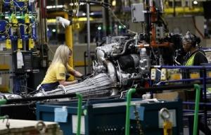 พนักงานค่ายรถ GM เกือบ 50,000 คนในสหรัฐฯ ผละงานประท้วง