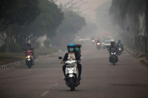 อินโดฯปิดโรงเรียนเพิ่ม หลังควันไฟป่าส่งผลกระทบต่อสุขภาพปชช.หลายหมื่นคน