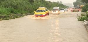 ฝนกระหน่ำ 2 ชม.ทำเมืองพัทยามีน้ำท่วมสูง โชคดีใช้เวลาระบายไม่นาน