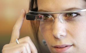 Luxottica เคยร่วมมือกับ Google ก่อนที่ Google Glass จะถูกเก็บไว้ทำตลาดเฉพาะลูกค้าองค์กรเท่านั้น