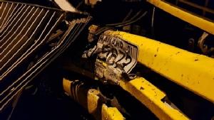 รถพ่วงชนรถเมล์สาย522 กลางสะพานข้ามงามวงศ์วาน-วิภาวดีรังสิต บาดเจ็บ 2 ราย