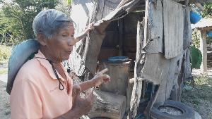 น่าเวทนา! 11 ชีวิต 2 ครอบครัวคนสุโขทัยสุดยากจน ต้องใช้กระสอบเก่ารูพรุนทำห้องน้ำปลดทุกข์ร่วมกัน