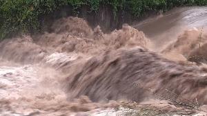 น้ำป่าล้นทะลักหลากข้ามตำบล ท่วมบ้านคนลำปางแล้วกว่าร้อยหลัง