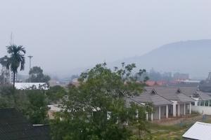 ลามถึงภูเก็ต ควันไฟอินโดฯ ทำท้องฟ้าขมุกขมัวตลอดทั้งวัน