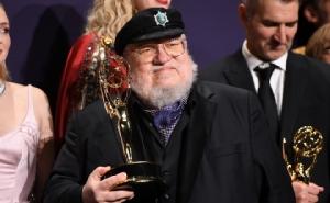 """ปิดฉากอย่างยิ่งใหญ่!! """"Game of Thrones"""" ปีสุดท้ายคว้ารางวัลเอมมี """"ซีรีส์ดรามายอดเยี่ยม"""""""
