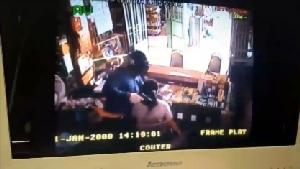 โจร 500 ก่อนปล้นร้านทองที่สุพรรณฯ เข้าปล้นร้านวัสดุก่อสร้างกรุงเก่าได้เงินไป 500 บาท