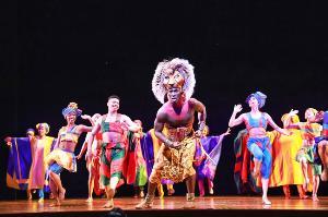 """มาไทยแล้ว! """"THE LION KING"""" โชว์ตื่นตา พีคทุกฉากสมราคามิวสิคัลอันดับ 1 ของโลก"""