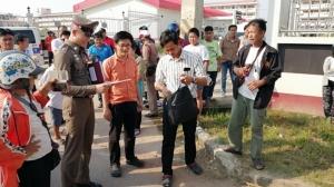 สลด! บุรุษไปรษณีย์เมืองปราจีนฯ ขี่ จยย.คู่ใจชนท้ายพ่วง 18 ล้อดับ ขณะปฏิบัติหน้าที่
