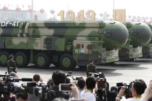 ตงเฟิง 41 (DF-41) ในขบวนพาเหรดฉลองวาระครบรอบ 70 ปีแห่งการสถานาสาธารณรัฐประชาชนจีน เมื่อวันที่ 1 ต.ค.2019 (ภาพ รอยเตอร์ส)