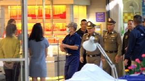 (ชมคลิป) คุมตัวโจรปล้นร้านทองขอนแก่นทำแผน หลังตำรวจ สปป.ลาวจับกุมได้