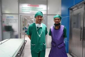 """แพทย์เผย รพ.ยะลา มีเครื่องมือรักษาผู้ป่วย ต้องขอบคุณคนไทยและโครงการ """"ก้าวคนละก้าว"""""""