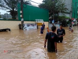 ชาวบ้านเบตงเดือดร้อนน้ำระบายไม่ทันท่วมบ้าน ของใช้เสียหาย