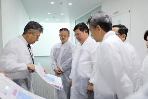 """""""สุวิทย์"""" จีบบริษัทยีนบำบัดมะเร็งที่ญี่ปุ่นมาลงทุนในไทย"""