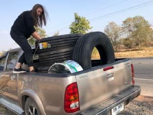 """กล้าแกร่งทุกเข็มไมล์! หญิงไทย """"สิงห์รถบรรทุกแห่งอเมริกา"""""""
