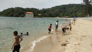 จันทบุรี เงินสะพัด! นักท่องเที่ยวแห่ชมน้ำทะเลใสช่วงหยุดยาวเชื่อเงินเข้ากว่า 10ล้าน