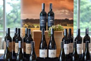 """เอ็กซ์คลูซีฟ ไวน์ เทสติ้ง คลาส กับ """"เฟรเซอร์ แกลลอพ"""" ไวน์ชั้นยอด หลากหลายรางวัลจากออสเตรเลีย"""