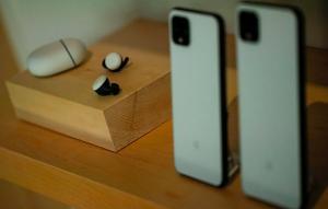 Google เปิดตัวโทรศัพท์ติดเรดาร์ Pixel 4 พร้อมแล็บท็อปราคาจิ๋ว
