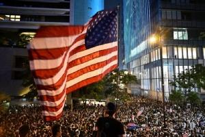 สภาผู้แทนสหรัฐฯ ผ่าน กม.หนุนสิทธิมนุษยชนฮ่องกง จีนคำราม 'หยุดแทรกแซง'