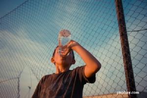 ดื่มน้ำปริมาณเท่าไหร่ ถึงดีต่อร่างกาย?