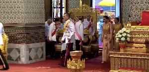 ในหลวง-พระราชินี ทรงบำเพ็ญพระราชกุศลทักษิณานุปทานวันพระบรมราชสมภพและถวายพระราชสมัญญา ร.4 พระสยามเทวมหามกุฏวิทยมหาราช