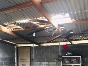 ผู้ว่าฯ รุดเยี่ยมชาวประมงพื้นบ้านสงขลา หลังพายุพัดถล่มบ้านพังกว่า 40 หลังคาเรือน