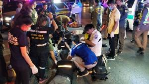 หนุ่มพาสาวซ้อนจยย.ชนกระบะแอบลักไก่กลับรถ เสียชีวิตทั้งคู่