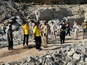 มุกดาหารลุยตรวจสอบสร้างถนนสี่เลน หลังถูกลอบขุดหินไปหาผลประโยชน์นอกพื้นที่