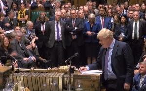 Brexit อลหม่าน! รัฐสภาอังกฤษเห็นชอบข้อตกลงถอนตัว แต่โหวตคว่ำเร่งรัดกรอบเวลาผ่านกม.