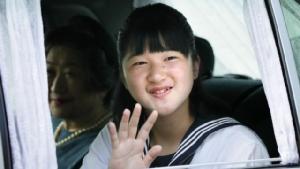 """โพลเผย! คนญี่ปุ่นกว่า 80 เปอร์เซ็นต์สนับสนุน """"ผู้หญิง"""" ขึ้นครองบัลลังก์"""