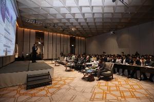 เหล่ากูรูตัวจริง ชี้ EEC เป็นทั้งโอกาส-ความท้าทาย ในการพัฒนาประเทศ-ยกระดับรายได้คนไทย แนะไทยเร่งปรับตัว รองรับโลกเปลี่ยน ก่อนตามไม่ทัน