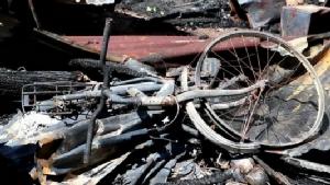 ปภ.นครพนม นำทีมช่วยเหลือบ้านถูกเพลิงไหม้อำเภอธาตุพนม