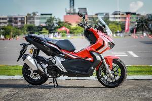 First Ride ฮอนด้า ADV150 สกู๊ตเตอร์เอสยูวีคันแรกในไทย