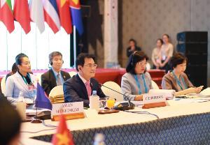 """""""จุรินทร์"""" ประธานถกอาเซียน ติดตาม 13 ประเด็นเศรษฐกิจที่ไทยผลักดัน มั่นใจสำเร็จหมดปีนี้"""