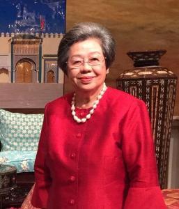 """ผศ.นิรมล ชยุตสาหกิจ, President of Ikebana International หนึ่งในศิลปินที่จะมาโชว์ภายใต้ สถาบันจัดดอกไม้ """"Sogetsu"""" ที่บริเวณทางเข้าชั้น 1 สยาม ทาคาชิมายะ"""