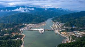ภาพเขื่อนไซยะบุรี เมื่อ 29 ต.ค.62 บริเวณแม่น้ำโขงตอนล่างในลาว (Handout / CK POWER / AFP)