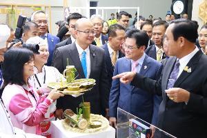 """""""บิ๊กตู่""""ควง """"จุรินทร์"""" ชมงาน ASEAN STYLES ขนสินค้าเด่นของไทยโชว์ผู้นำอาเซียน-ผู้เข้าร่วมประชุม"""