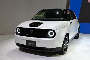 ฮอนด้า อี (Honda e) รถ EV เปิดตัวครั้งแรกในประเทศญี่ปุ่น