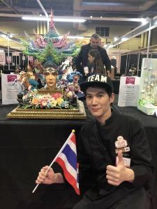 ทั่วโลกทึ่งฝีมือ เค้กดีไซเนอร์ไทย ทีมน้ำตาลลิน กวาด 3 เหรียญทอง  จากการประกวด Cake International 2019 ที่อังกฤษ