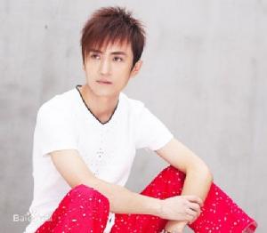 """""""บุปผางามคืนเดือนเพ็ญ"""" เพลงดังปี 1995 ที่อุทิศแด่หนุ่มสาวชาวจีน"""