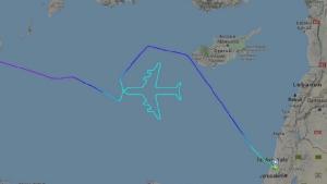เจ๋ง! กัปตันโบอิ้ง 747 บินวนเป็นรูปเครื่องบิน ในเที่ยวสุดท้ายก่อนปลดระวาง (ชมคลิป)