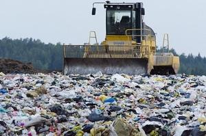 """แก้ไม่จบ!! ขยะพลาสติกเกลื่อนโลก ชี้เหตุต้นทุนบรรจุภัณฑ์รักษ์โลก """"แพง-ทดแทนไม่ดีเท่า"""""""