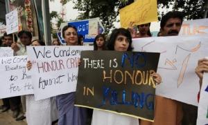 ศาลเตี้ยพรากรัก!หนุ่มสาวอินเดียถูกรุมปาหินใส่จนตาย ผิดที่แต่งงานต่างวรรณะ