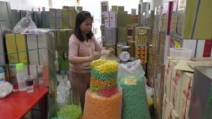 อานิสงส์จับลิขสิทธิ์กระทงการ์ตูน ส่งผลร้านจำหน่ายข้าวโพดอาหารปลา ชัยนาท ยอดขายพุ่งเท่าตัว