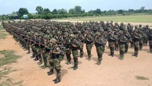 เต็มอัตราศึก! ทหารกัมพูชาตรึงกำลังแน่นแนวชายแดน หลังใกล้วันนายสม รังสี ประกาศกลับประเทศ
