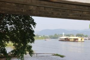 เมืองกาญจน์จัดระเบียบแพ และอาคารลุกล้ำบริเวณริมแม่น้ำแควใหญ่ รับ.ครม.สัญจร